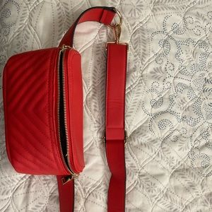 Red fanny pack new wore once